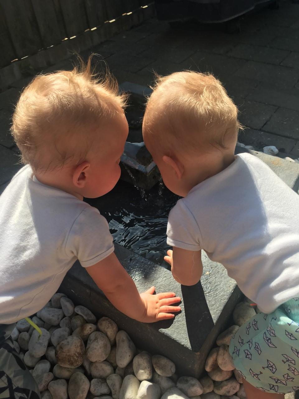 baby's samen spelen