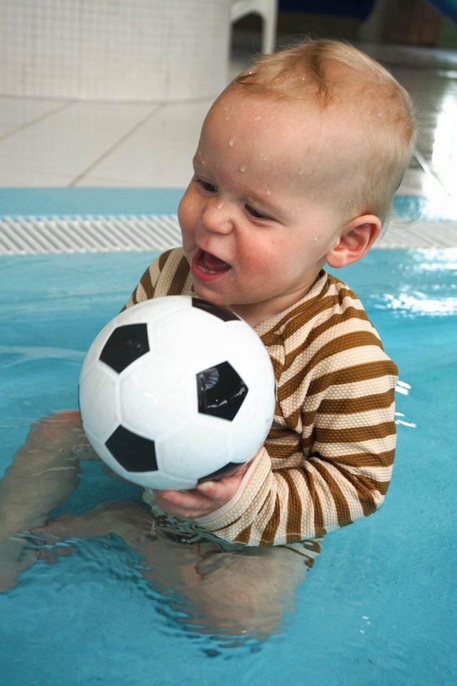 Noud zwemmen